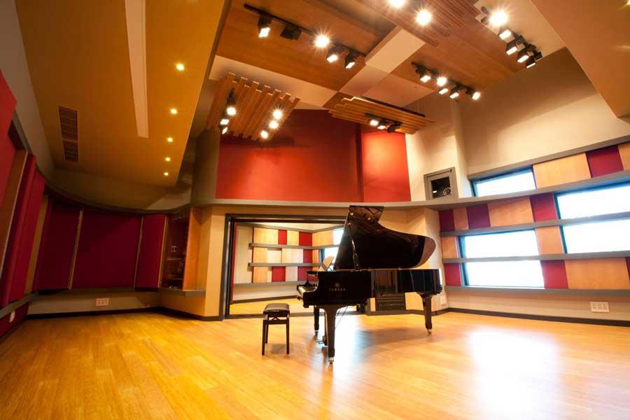 berklee college of music admission essay Compare colleges: berklee college of music ($40,082 usd out-of-state, 288% acceptance rate) vs the juilliard school admissions breakdown total.